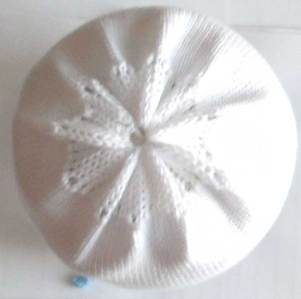 Связать детскую шапку спицами с описанием