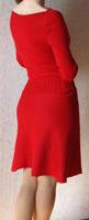Вязаное алое платье с длинным рукавом, отрезной юбкой слегка...